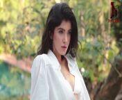 Bold Beautiful & Very Sexy Shanaya Kapoor HOT !!