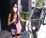 Sara Ali Khan spotted at at RSVP office Santacruz.Watch video to know more. <br/> <br/>#SaraAliKhan#SaraLook #ManishMalhotra